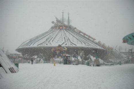 Disneyland Paris (Resort) Famiglie bloccate nel luogo più felice della terra