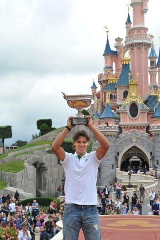 Disneyland Park Paris Il campione di tennis Rafael Nadal visita il parco
