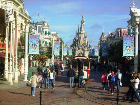 Disneyland Park Paris Sconti del  40 % sui biglietti giornalieri di Disneyland Paris