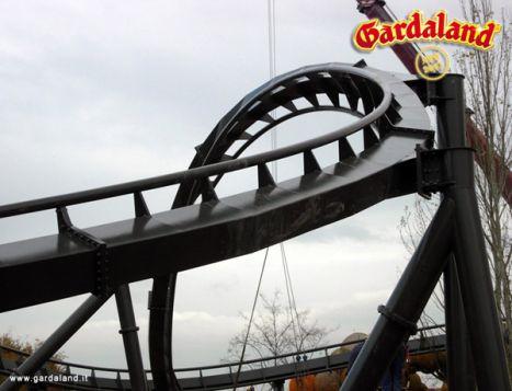 Gardaland Ufficializzata la terza inversione per X-Raptor