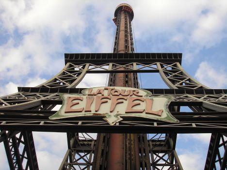 Hopi Hari Cade dalla torre di caduta libera, muore un 14enne