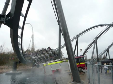 Thorpe Park Inaugurazione di The Swarm