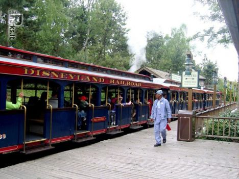 Disneyland Paris (Resort) Incidente sul treno panoramico Disneyland Railroad