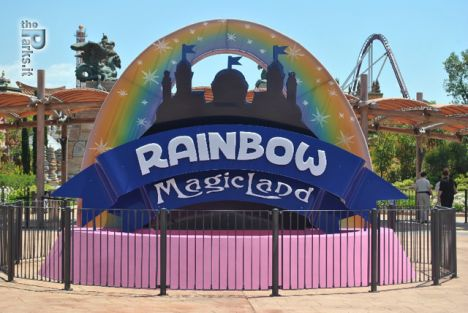 Rainbow MagicLand Per il 2013 lo splash battle, l'horror house, l'area gioco e la corsa in auto