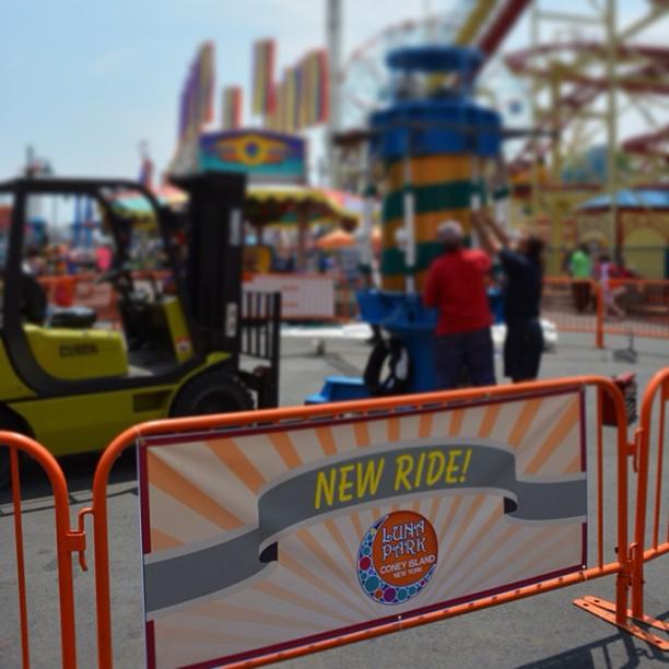 Luna Park (Coney Island) Thunderbolt da wooden risorge steel coaster