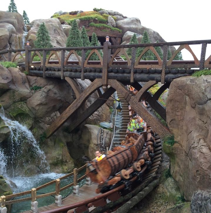 Walt Disney World Resort L'inaugurazione del nuovo Mine Train dei Sette Nani