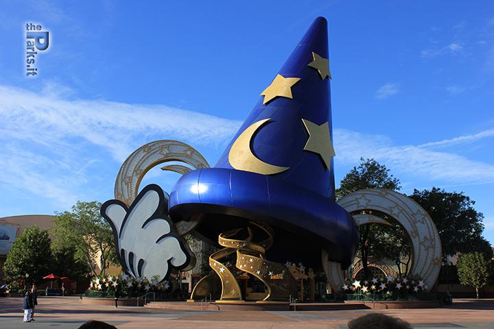 Disney's Hollywood Studios Smantellato il grande cappello da stregone