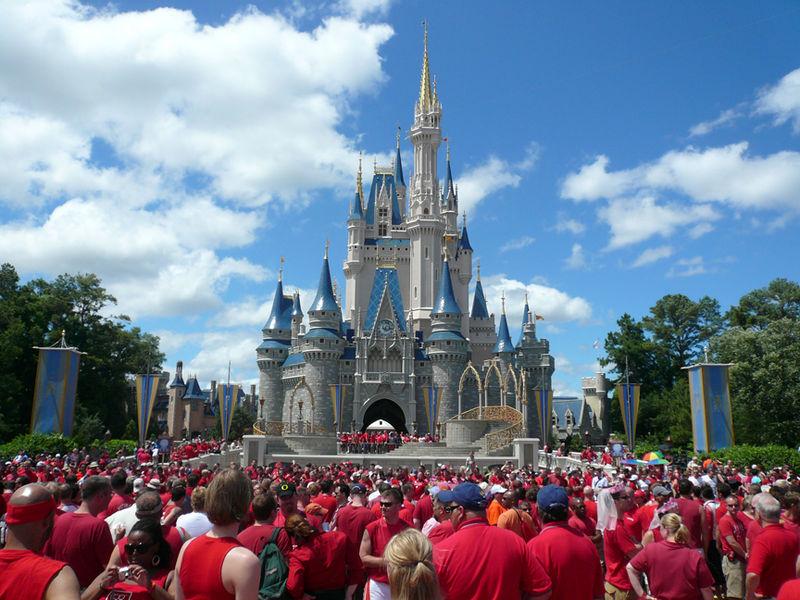 Walt Disney World Resort La Festa delle Famiglie LGBT: il messaggio gay friendly della Disney