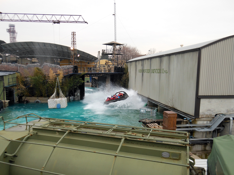 Movieland Park Incidente su Kitt: visitatori finiscono in acqua