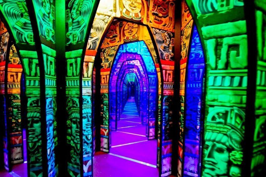 PortAventura Park El Secreto de los Maya è il labirinto di specchi 2013