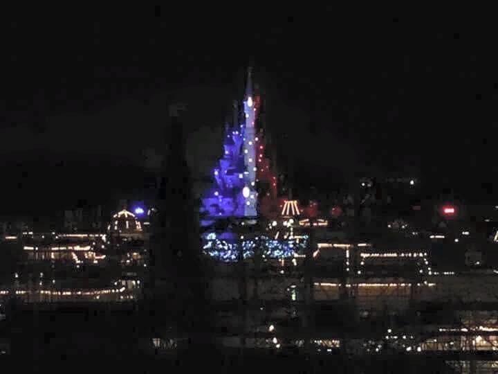 Disneyland Paris (Resort) Disneyland oggi chiuso per rispetto alle vittime