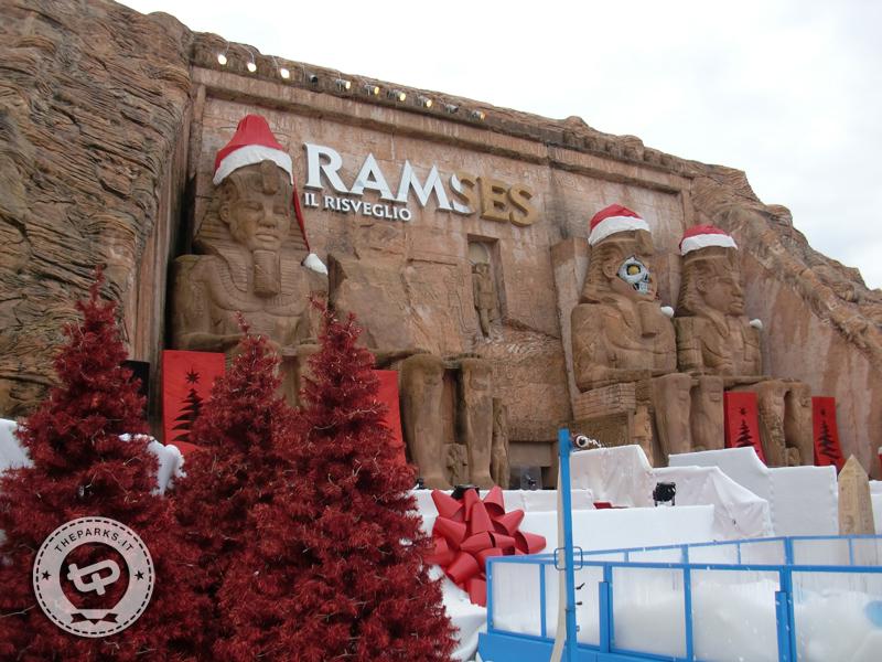 Gardaland Al Magic Winter con il costume di Babbo Natale