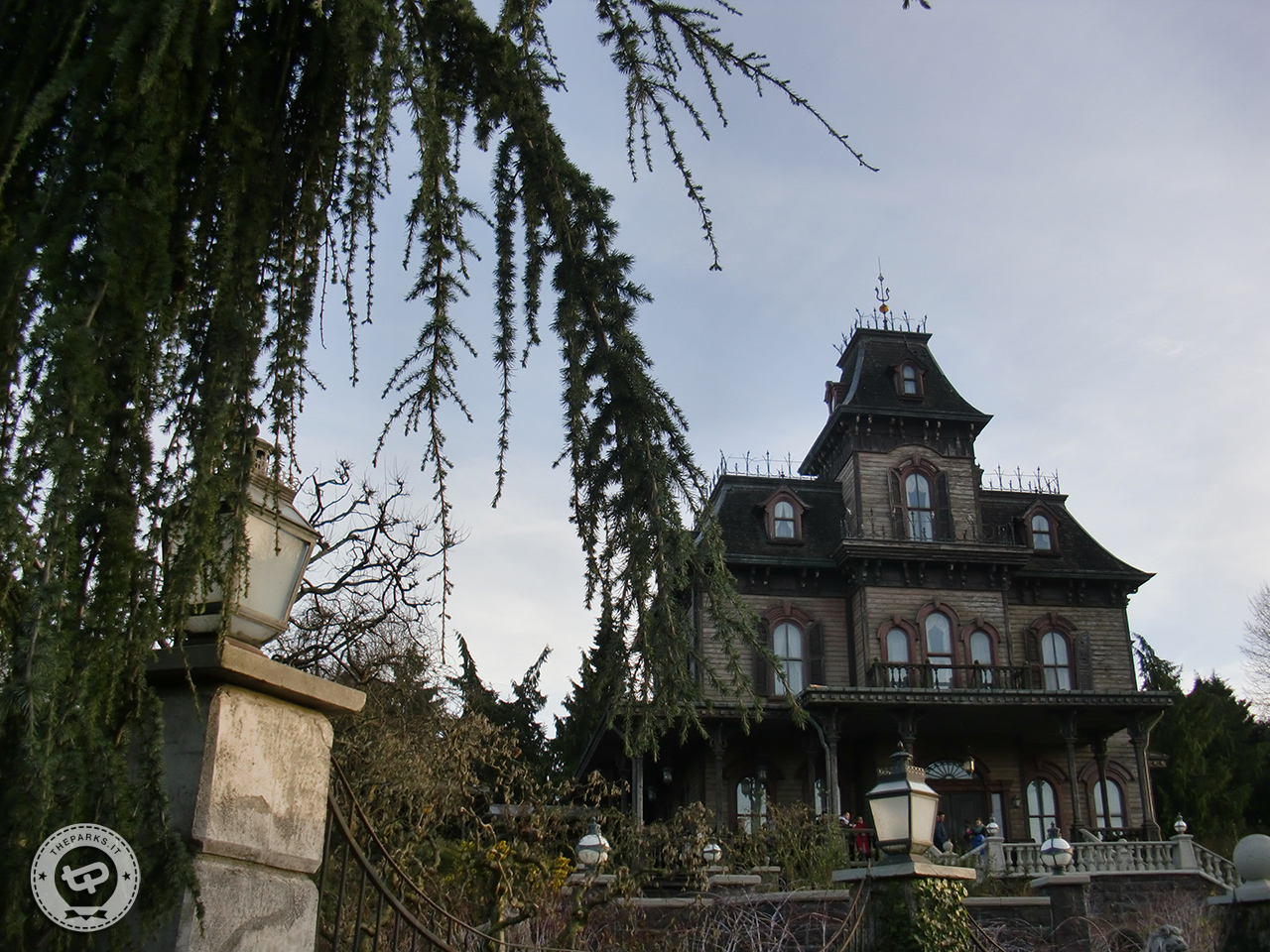 Disneyland Park Paris Uomo muore nella Haunted Mansion