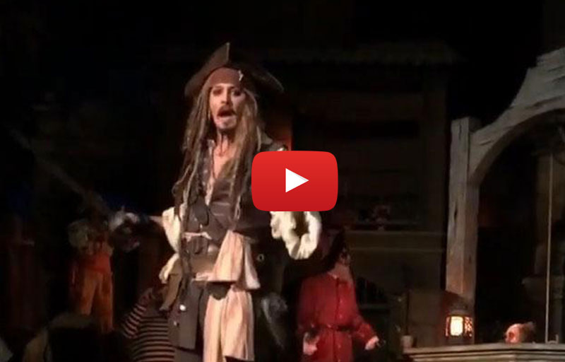 Disneyland Park (California) Guest in delirio per l'apparizione di Johnny Depp