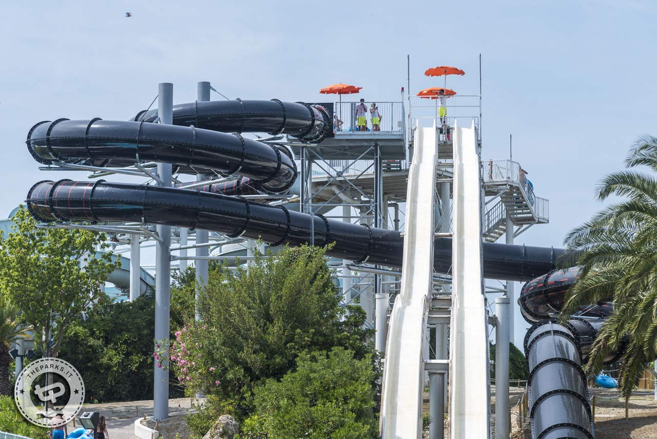 Aquafan Vieni a Ferragosto e tra 10 anni entri gratis, la folle promo del parco acquatico